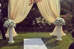 Backdrop-and-Short-Pillars